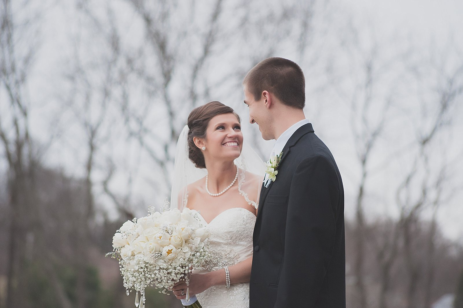 Somerset, KY Wedding : Andrew & Noelle at The Barn at Redgate